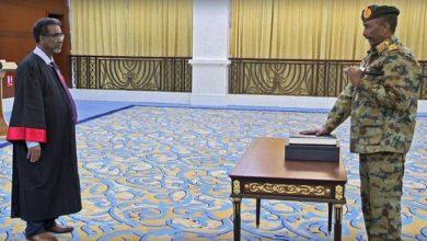 Photo of السودان .. الحكومة المدنية تؤدى اليمين الدستورية في المجلس الجديد