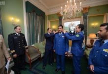 Photo of السفير السعودي في المملكة المتحدة يزور الملحق العسكري السعودي في لندن