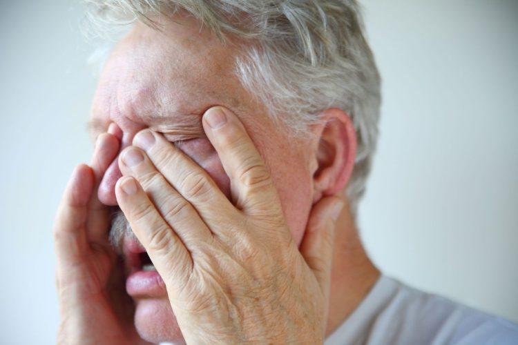 صورة أسباب وأعراض تمدد الأوعية الدموية في الدماغ