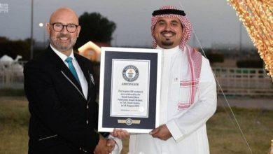 Photo of رئيس اتحاد الإبل السعودي يكشف النقاب عن أكبر نسخة طبق الأصل من الإبل في العالم