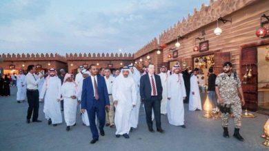 الوفد الدبلوماسي يجرب التراث العربي في مهرجان سوق عكاظ السعودي