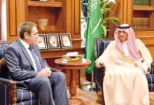 Photo of الوزير السعودي يلتقي السفراء الأجانب بالرياض