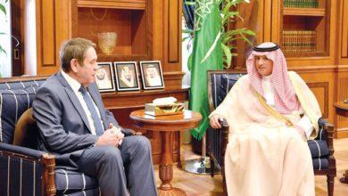 الوزير السعودي يلتقي السفراء الأجانب بالرياض