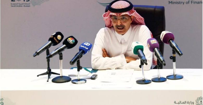 وزير المالية السعودي: إن استعادة أرامكو تثبت أن بإمكانها التعامل بسرعة مع أي أزمة