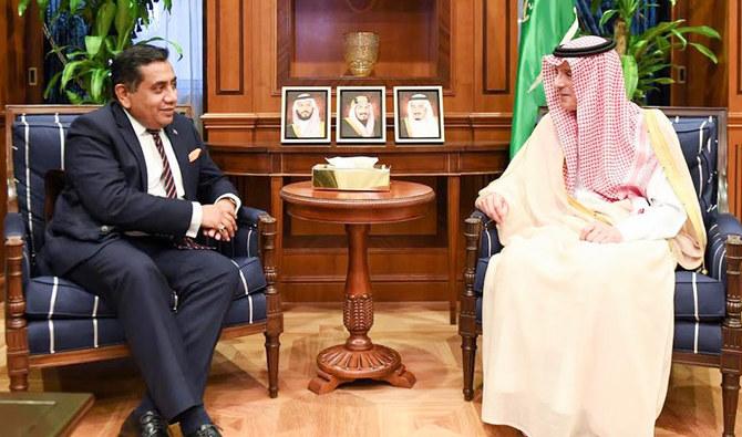 وزير سعودي يلتقي مبعوث المملكة المتحدة في الرياض