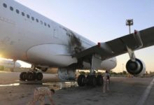 Photo of أربعة جرحى في إطلاق صاروخي على مطار العاصمة الليبية