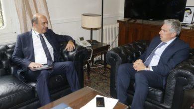 Photo of لبنان يستدعي السفير التركي بعد أن أثار الرئيس فظائع الحقبة العثمانية
