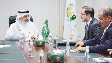 """Diplomatic Quarter: المبعوث البريطاني في الرياض يشيد ب KSRelief على العمل الإنساني """"المتميز"""""""