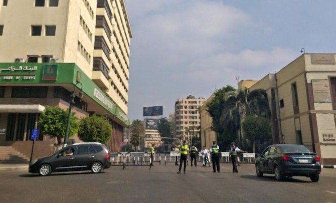 مصر تخفف الإجراءات الأمنية بعد إحباط الدعوات للاحتجاجات