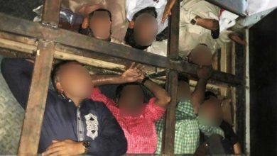 الشرطة الإماراتية تحبط محاولة لتهريب 18 شخصًا تحت أرضية الشاحنات