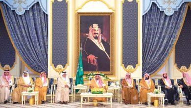 الملك سلمان يستقبل كبار الشخصيات في جدة