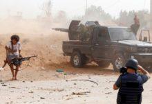 ضرب مطار ليبيا بطائرات بدون طيار ونيران الصواريخ؛ مقتل 2 من أفراد قوات حفتر