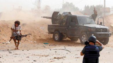 صورة ضرب مطار ليبيا بطائرات بدون طيار ونيران الصواريخ؛ مقتل 2 من أفراد قوات حفتر