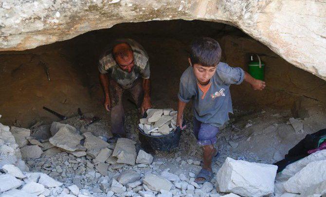 وسائل الإعلام الحكومية: عودة الآلاف إلى المناطق التي سيطرت عليها الحكومة في شمال غرب سوريا