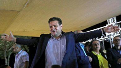 Photo of الأحزاب العربية الإسرائيلية تدعم غانتز لرئيس الوزراء في كسر مع سابقة