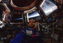 صورة هزاع المنصوري يعود إلى الأرض بعد مهمة فضائية تاريخية لدولة الإمارات العربية المتحدة
