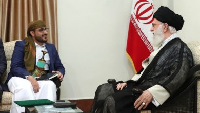 Photo of وزير يمني ينتقد إيران بعد أن اعترفت طهران بدعم الحوثيين