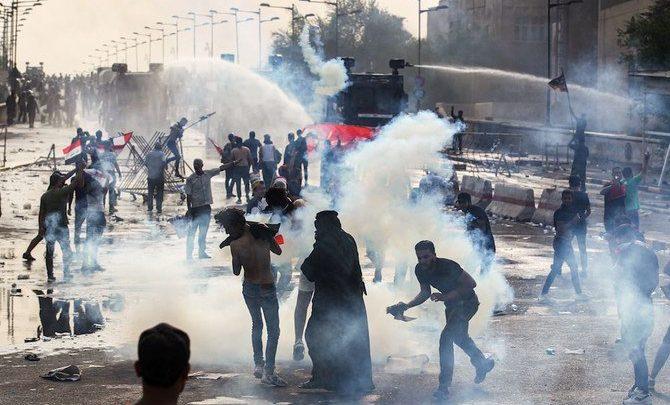قتيلان و 200 جريح أثناء استخدام الشرطة النار الحي لتفريق المحتجين في بغداد