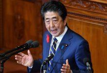 صورة آبي الياباني يتعهد بخطوات الدعم الاقتصادي إذا اشتدت المخاطر