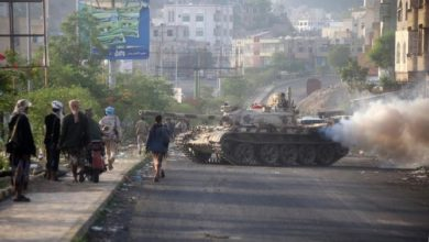 الحكومة اليمنية تعقد اتفاقا لتقاسم السلطة مع المتمردين الجنوبيين