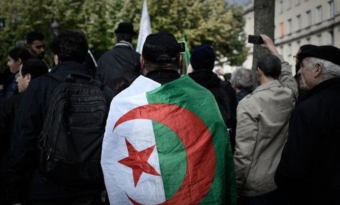 الجزائر تسجل 22 مرشحا للانتخابات الرئاسية
