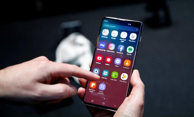 سامسونج تعترف بوجود خلل في الوصول إلى بصمة هاتف Galaxy S10 الذكي