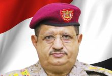 صورة وزير يمني يشيد بالدعم السعودي ضد الحوثيين