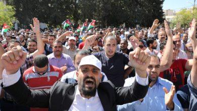 Photo of الأردن.. انتهاء أطول إضراب للمعلمين في تاريخ البلاد، ورئيس الوزراء يعتذر