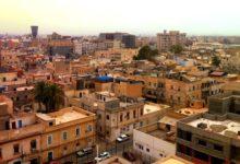 صورة غارة جوية بدون طيار تضرب طائرتين في مطار مصراتة الليبي