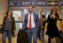 Photo of إسرائيل تطرد مسؤول هيومن رايتس ووتش بسبب اتهامات المقاطعة