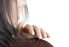 كيفية التخلص من قشرة الرأس