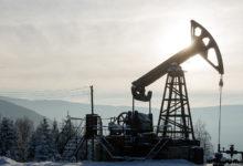 النفط يرتفع فوق 62 دولار بسبب آمال اتفاق التجارة بين الولايات المتحدة والصين