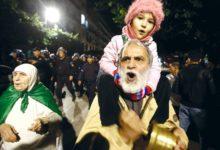Photo of أكثر من 80 محتجزًا في احتجاج الجزائر العاصمة، حسب جماعة حقوقية