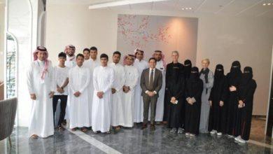 Photo of الرئيس التنفيذي لمشروع مدينة نيوم السعودية الضخمة يلتقي المجموعة الأولى من طلاب المنح الدراسية