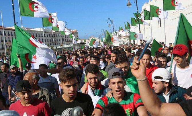 خمسة مرشحين لخوض الانتخابات الرئاسية الجزائرية الشهر المقبل