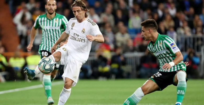 ريال مدريد يفشل في خطف الصدارة ويتعادل مع بيتيس سلبياً