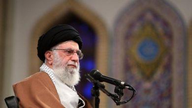 """الإيرانيون يهتفون """"الموت لأمريكا"""" في احتفال الذكرى السنوية لمصادرة السفارة الأمريكية"""