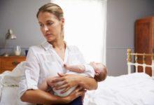 Photo of إليك بعض النصائح لمساعدتك في التعامل مع التغييرات العاطفية بعد الولادة