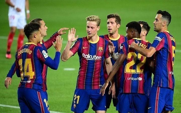 تشكيلة مباراة برشلونة ضد دينامو